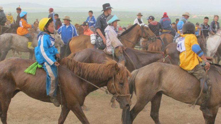 Voor het eerst: paardrijden in Mongolië