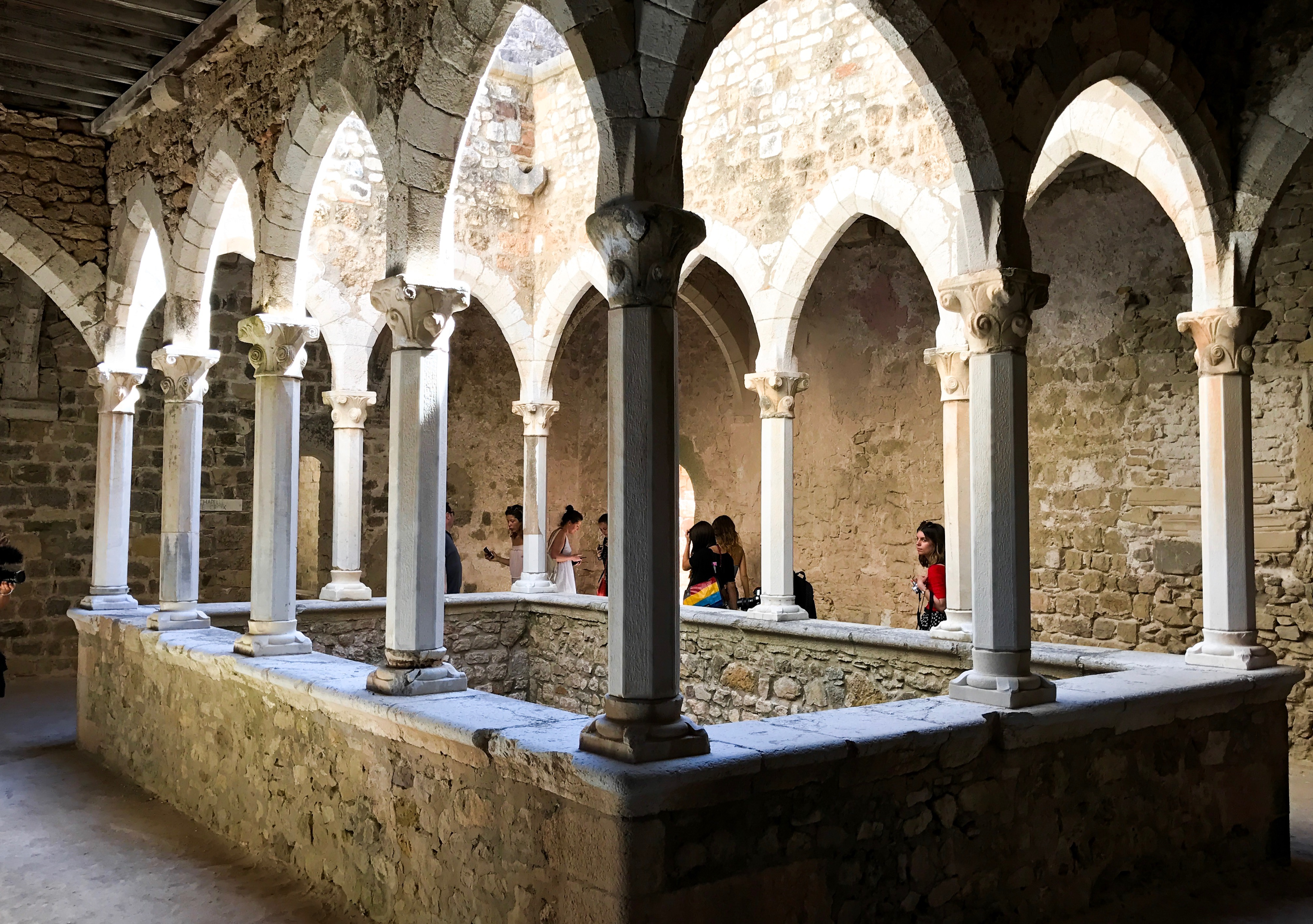 In het op het eiland gelegen klooster