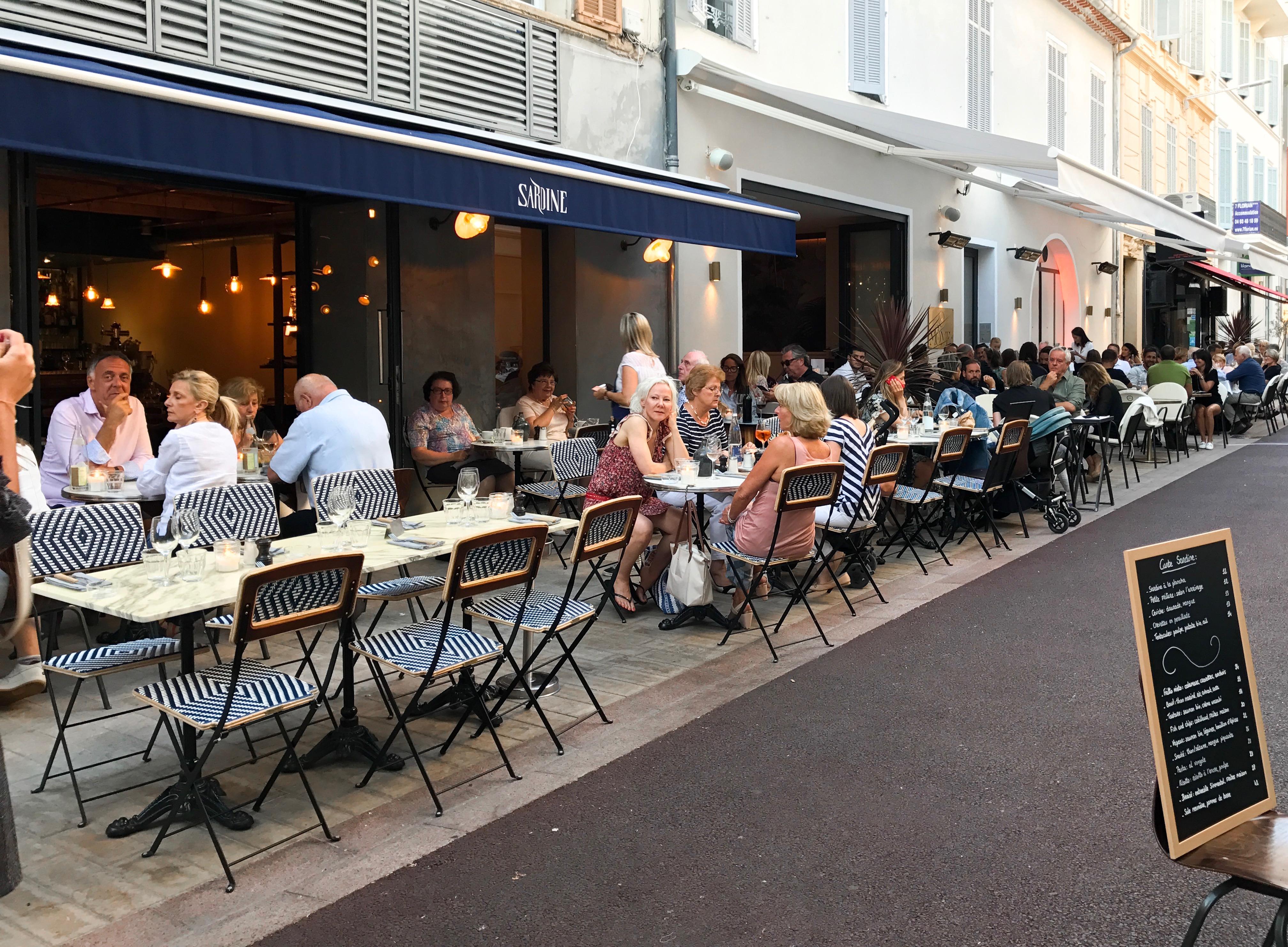 """Gooi de straten """"Rue Commandant Andre en Rue des Frères Pradignac"""" in je Google Maps en je komt bij tientallen leuke restaurants uit"""